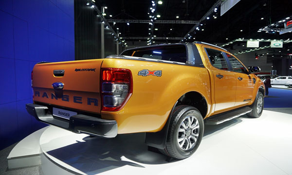 Ford Ranger Wildtrak 2018 ติดตั้งระบบช่วยผ่อนแรงการเปิด-ปิดฝาท้ายกระบะ