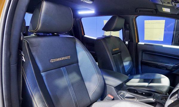 เบาะนั่งคนขับสามารถปรับไฟฟ้าได้ 8 ทิศทาง