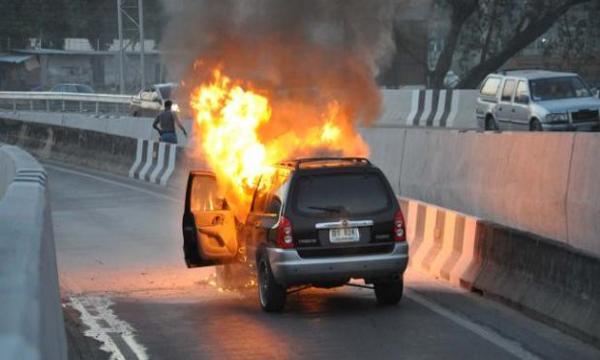 ไฟไหม้รถยนต์ภัยร้ายใกล้ตัวคุณ