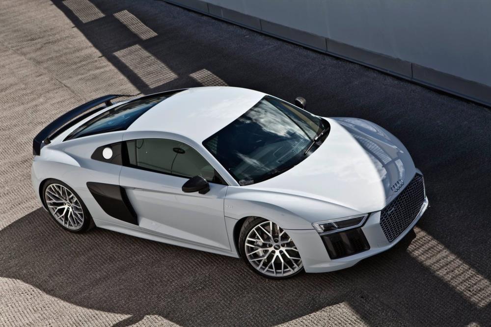 2017 Audi R8 V10 Plus ให้กำลังสูงสุด 397 กิโลวัตต์/540 แรงม้า และแรงบิดสูงสุด 540 นิวตัน-ม./55.1 กก.-ม.