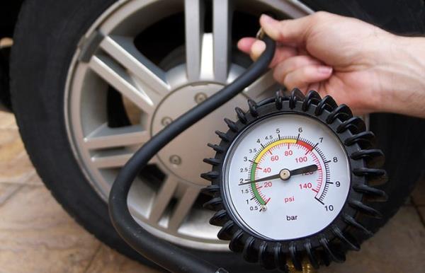 การตรวจเช็คยางรถยนต์โดยเครื่องวัด