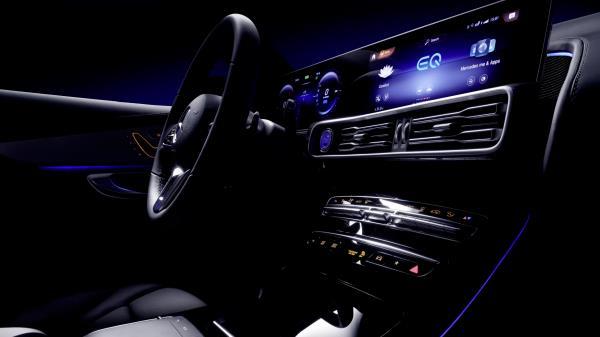 ดีไซน์ภายในและระบบต่างๆของ Mercedes-Benz EQC