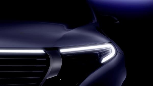 ไฟหน้าบบ LED ของ Mercedes-Benz EQC