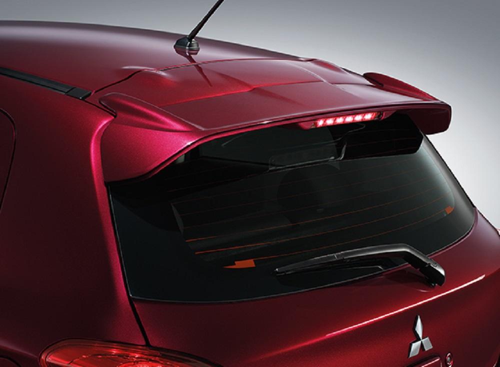 เพิ่มความเป็นสปอร์ตให้กับ NEW Mitsubishi Mirage 2018 สปอยเลอร์หลังพร้อมไฟเบรกดวงที่ 3 แบบ LED (เฉพาะรุ่น GLS-LTD , GLS)