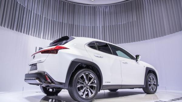 Lexus UX Hybrid 2019