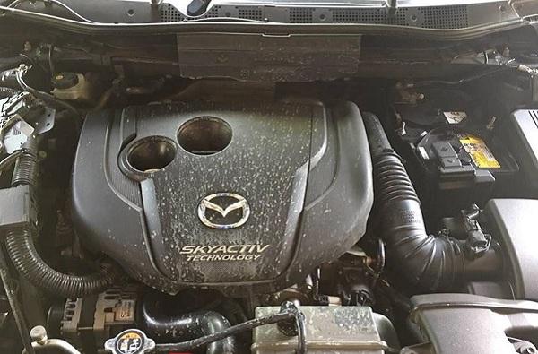 ปัญหาหม้อน้ำกระจายออกมาใน Mazda CX-5