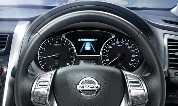 หน้าจอแสดงข้อมูลการขับขี่แบบ 3 มิติ (3D Display)