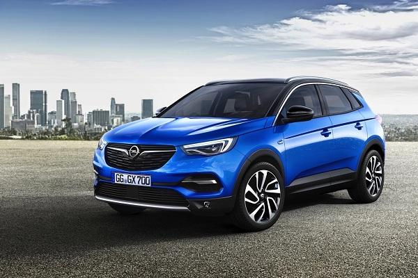 กับ Opel Grandland X กับเครื่องยนต์เทอร์โบชาร์จ 1.6 ลิตร