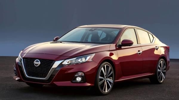 รถยนต์ Nissan Teana