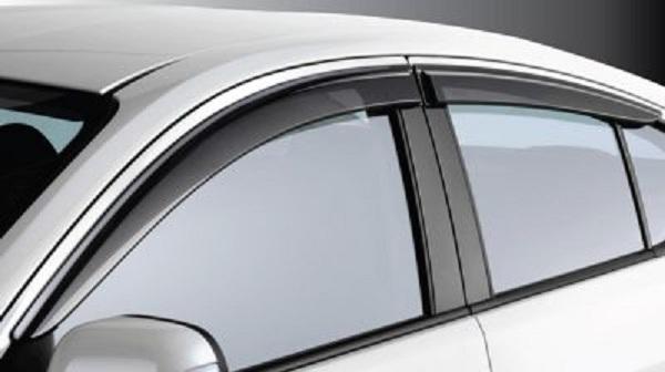 คิ้วกันสาดประตูเรียบเท่ เพิ่มความหรูหราให้ Nissan Almera 2018