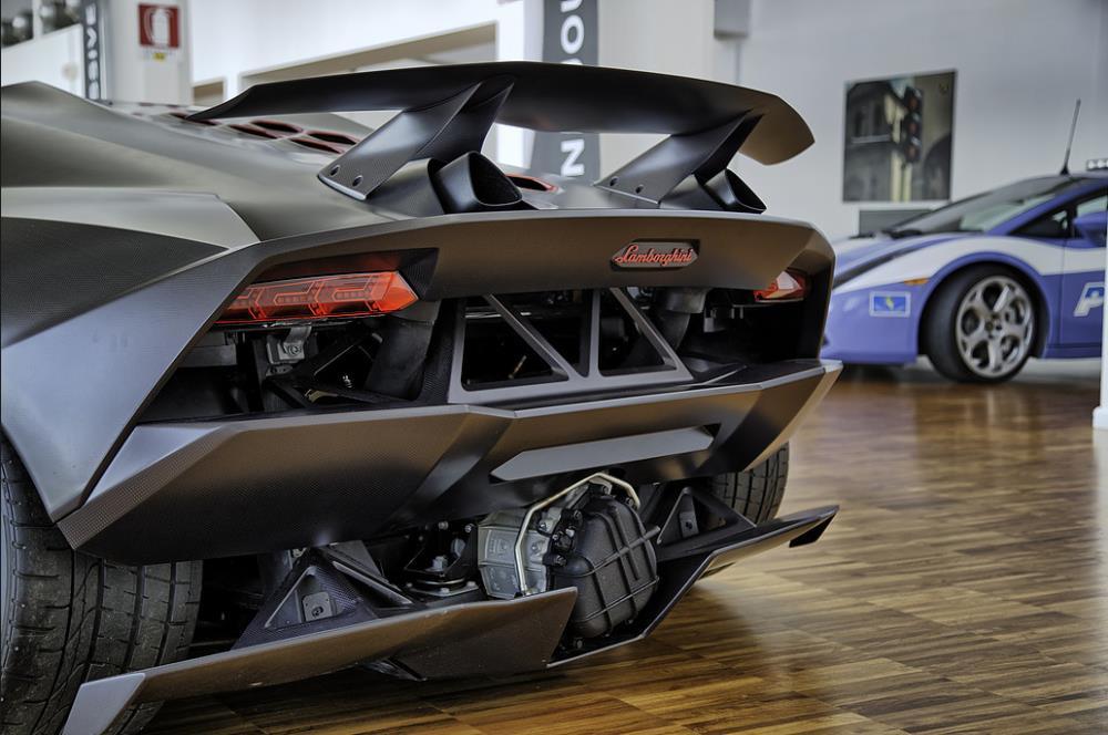 Lamborghini Sesto Elemento สุดยอดยนตรกรรมแห่งยุค จำกัดการผลิตเพียง 20 คันบนโลกเท่านั้น!!!