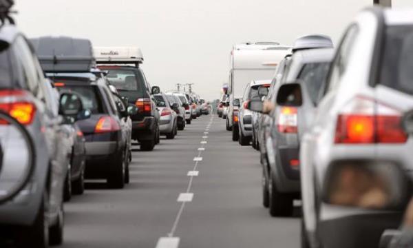 การขับรถในเส้นทางหลักเป็นอีกเส้นทางที่มักเกิดอุบัติเหตุ