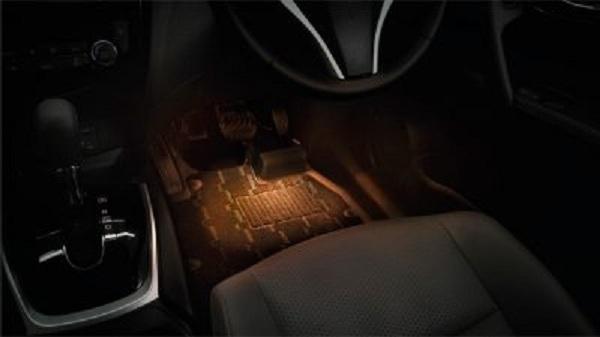 เติมสีสันและความสว่างสำหรับการใช้งานด้วย ไฟส่องสว่างพื้นรถ สำหรับ Nissan X-trail 2018