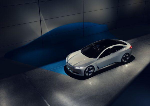BMW i4 ขุมพลังแห่งอนาคต