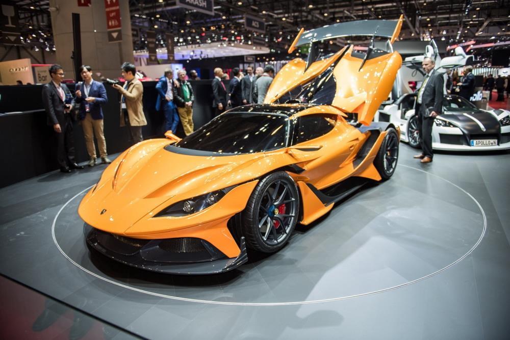 สำหรับการดัไซน์นั้นมีความสวยงามแบบรถ Super Car หรือ Hyper Car