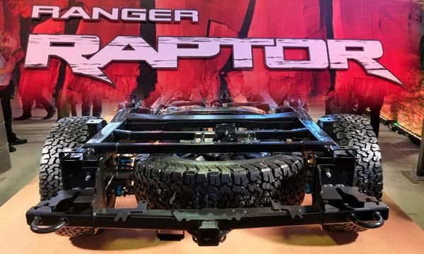 Ford Ranger Raptor ติดตั้งโช๊คอัพจาก Fox Racing Shox