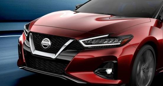 ด้านหน้า Nissan Maxima 2019