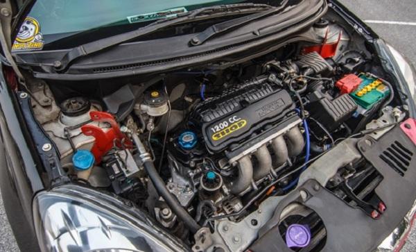 ขุมพลังกับการผ่าเครื่องยนต์จาก Honda Jazz ในรหัส L15A ที่มีความจุ 1500 cc.
