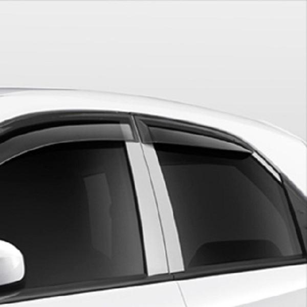 คิ้วกันสาดสีดำ เติมความล้ำให้รถอีกหนึ่งมุมมอง