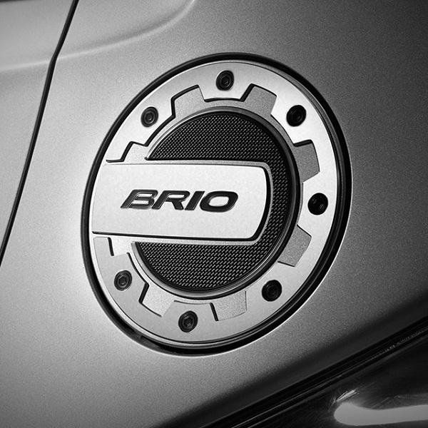 สติ๊กเกอร์ Brio บนฝาถังน้ำมัน