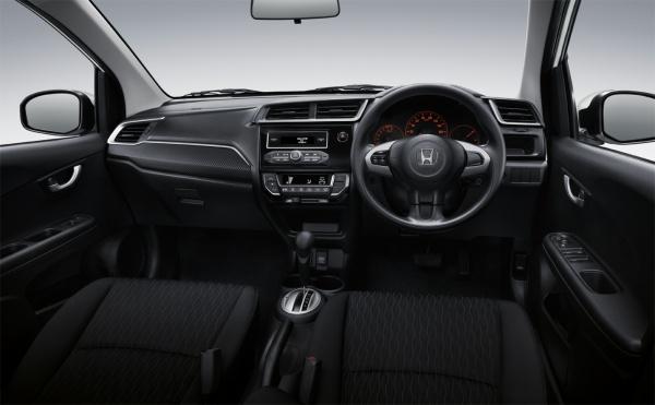 การออกแบบภายในของ Honda Brio