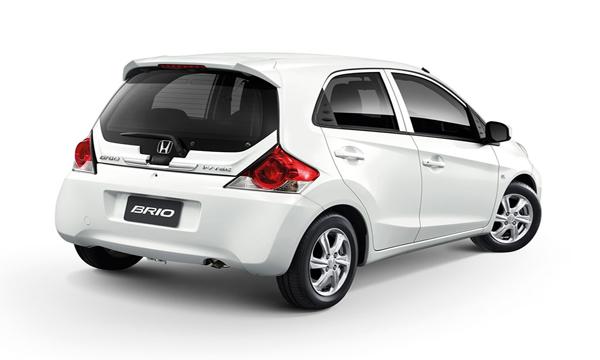 Honda Brio ติดตั้งสปอยเลอร์หลังทรงสปอร์ต