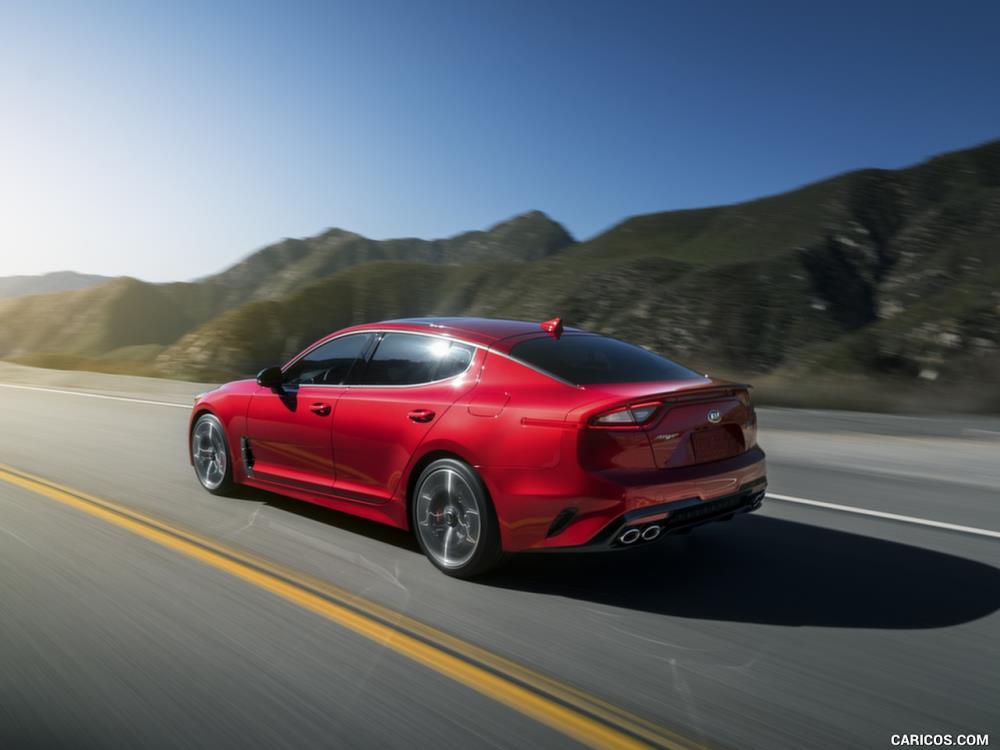 ภายในของ Kia Stinger 2018 ใหม่ ก็ยังคงความพรีเมียมแต่เน้นอารมณ์สปอร์ตแบบรถ GT มากกว่าความหรูหรา