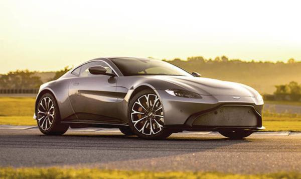 ดีไซน์ภายนอกที่ผสานความเป็น Aston Martin Vulcan เอาไว้ด้วย