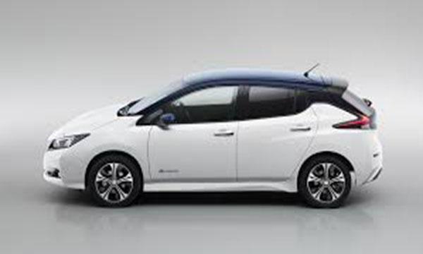 ด้านข้าง Nissan LEAF 2018