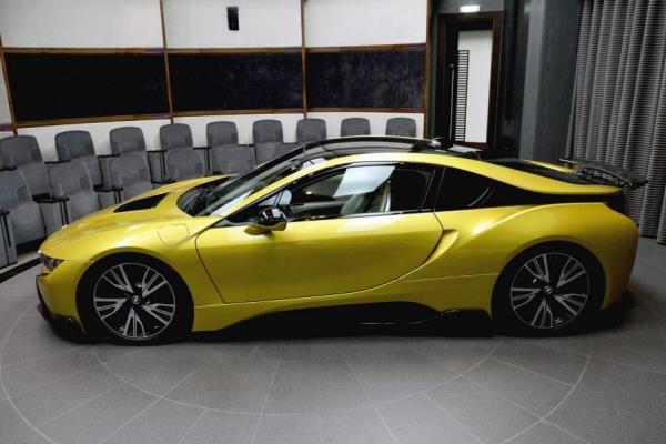 ดีไซน์ภายนอก BMW i8