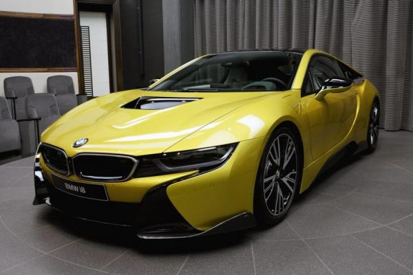 รถยนต์สปอร์ตไฮบริด BMW i8