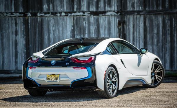 แนวทางการแต่งรถ BMW i8