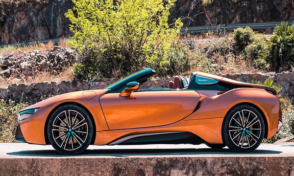 ด้านข้าง BMW i8 Roadster 2018
