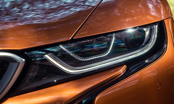 ไฟหน้าแบบ LED (BMW Laserlight)