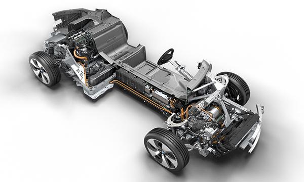BMW i8 Roadster 2018 ติดตั้งเครื่องยนต์เบนซิน 3 สูบ TwinPower Turbo Plug-In Hybrid