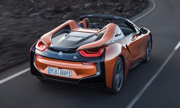 BMW i8 Roadster 2018 มาพร้อมไฟท้ายรูปทรงใหม่ล่าสุด
