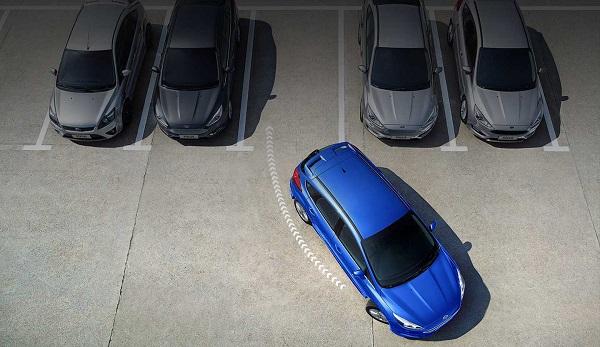 ความอัจฉริยะของระบบช่วยจอด ที่เพิ่มความสะดวกสบายใน Ford Focus 2018-2019