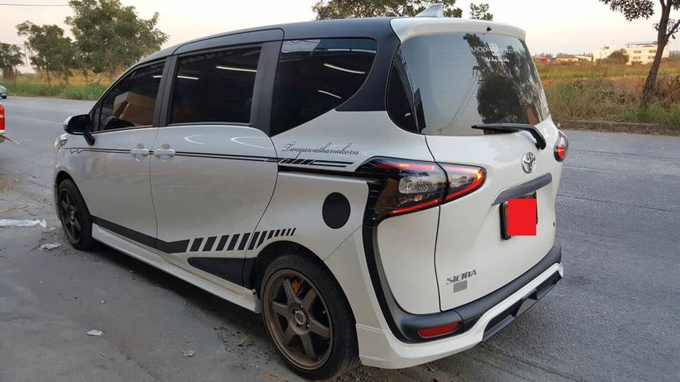 Toyota Sienta RBS-GT