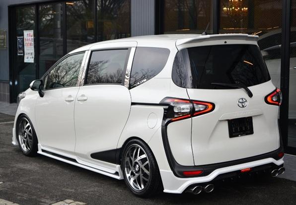 Toyota Sienta ZEUS