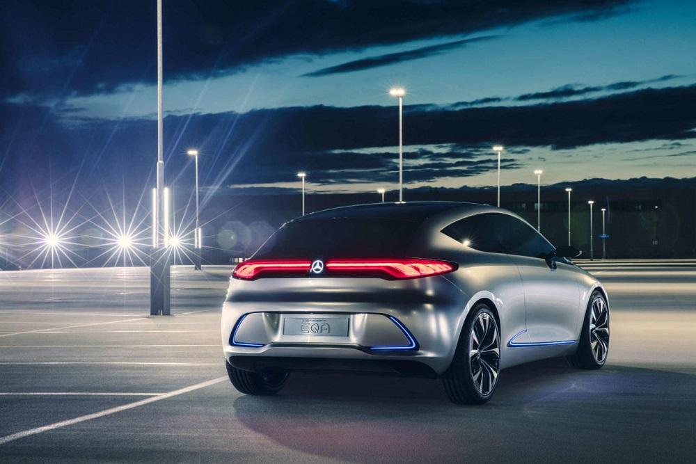 Mercedes-Benz Concept EQA เป็นรถยนต์ไฟฟ้าที่แสดงให้เห็นถึงกลยุทธ์ EQ ของเมอเซเดส-เบนซ์