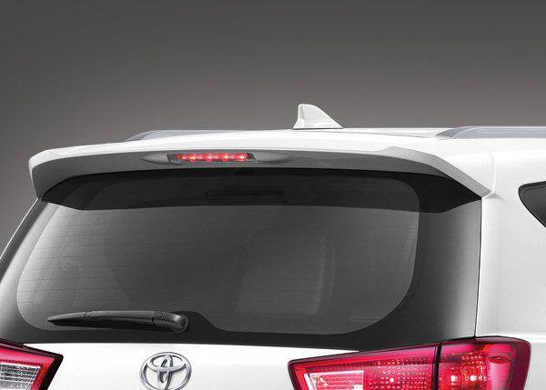 สปอยเลอร์หลัง พร้อมเสาอากาศแบบ Shark Fin ความลงตัวแบบเรียบง่ายในแบบ Toyota Innova 2018-2019