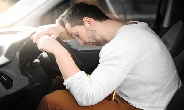 เคล็ดไม่ลับการนอนในรถ