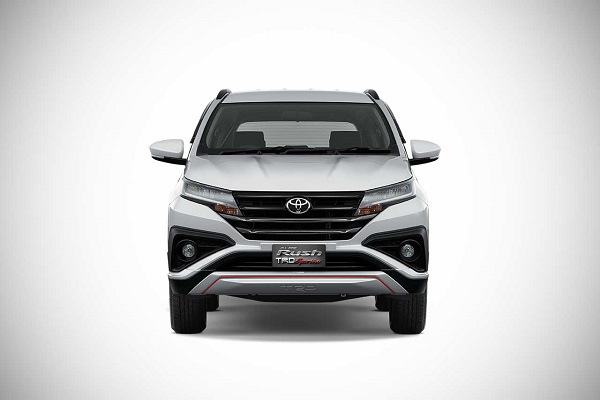 ไฟหน้า LED กระจังหน้าสุดสปอร์ต และกรอบไฟตัดหมอกที่ลงตัวในมิติลีลาแบบ Toyota Rush TRD Sportivo