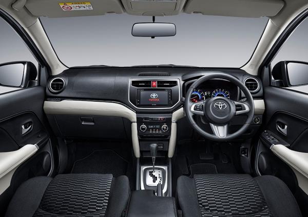 การออกแบบภายในของ Toyota Rush