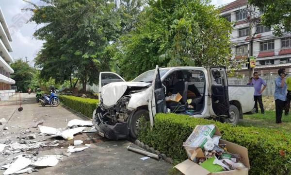 เกียร์หลุด เกียร์ค้างอาจส่งผลให้เกิดอุบัติเหตุได้