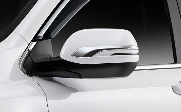คิ้วกระจกมองข้างแบบ โครเมี่ยม ดีไซน์เรียบเท่ สะท้อนความหรูหรามีระดับและเข้ากันดีในทุกมิติของรถ