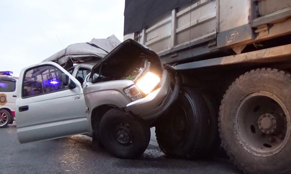 อันตรายจากการขับรถตามท้ายสิบล้อ