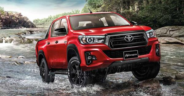 รถกระบะ 4 ประตู Toyota Hilux Revo 2018