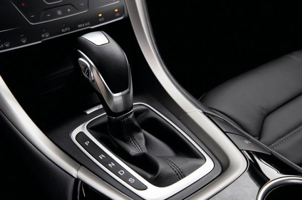 การเลือกใช้เกียร์ต่ำในการขับรถ