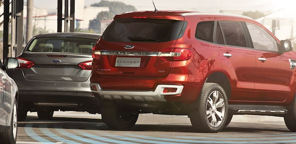 BLIS and Cross-traffic alert ระบบตรวจจับรถในจุดบอดและตรวจจับรถขณะออกจากซองจอด